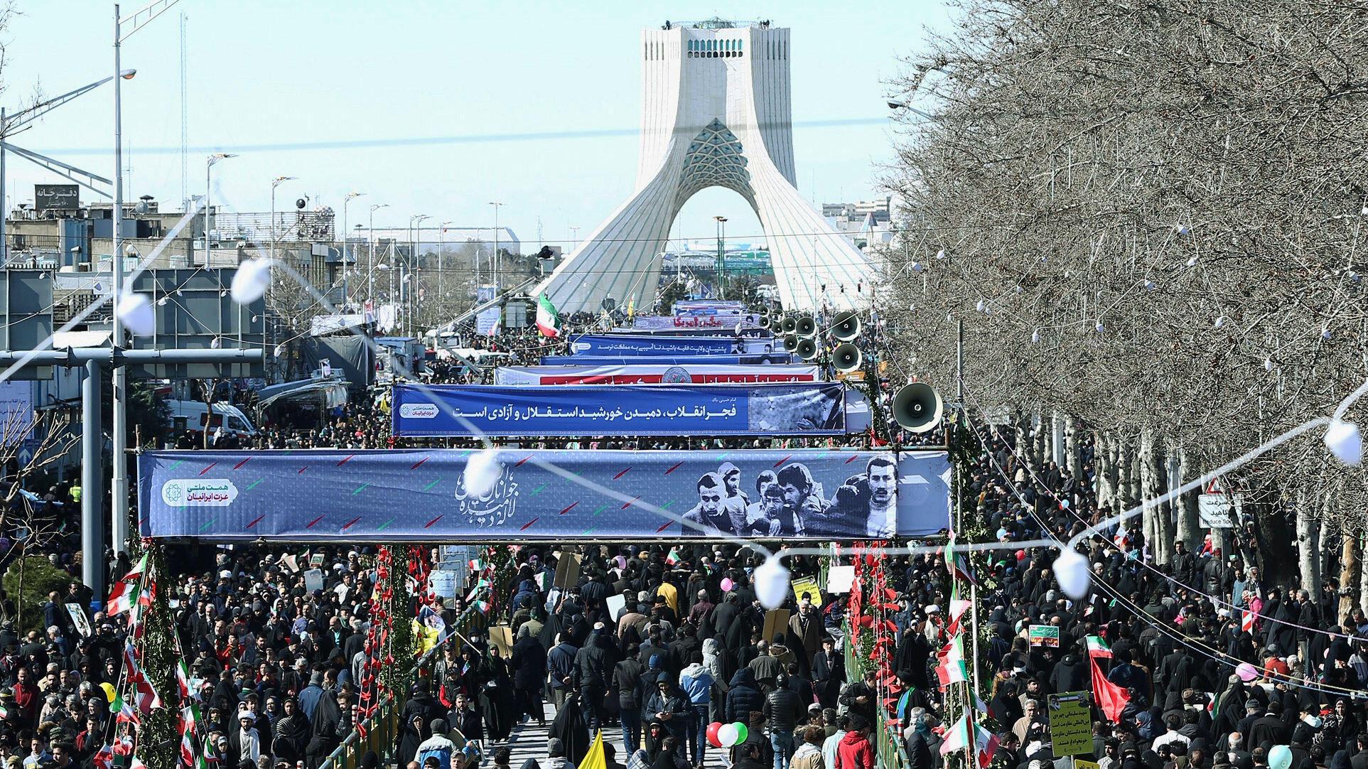 Irán celebra su aniversario con actos y con advertencias para Estados Unidos
