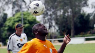 Le président burundais Pierre Nkurunziza en 2007, lors d'un match amical en Côte d'Ivoire.