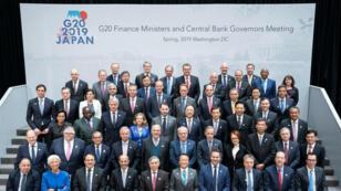 Los asistentes a una reunión del G20 en la sede del Fondo Monetario Internacional en Washington D.C. Estados Unidos, en el ámbito de la asamblea de primavera conjunta del Fondo Monetario Internacional (FMI) y el Banco Mundial (BM), el 12 de abril de 2019.
