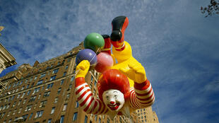 Un ballon Ronald McDonald à la Macy's Thanksgiving Day Parade.