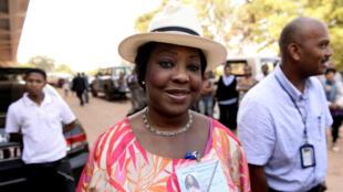 La nouvelle secrétaire générale de la Fifa, Fatma Samoura, le 25 octobre 2013, lors d'un déplacement à Madagascar.