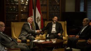 Les représentants du Fatah et du Hamas en négociation au Caire.