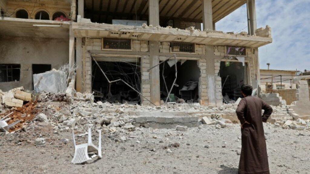 مبنى تضرر من قصف القوات الحكومية على بلدة الهبيط جنوب محافظة إدلب التي تسيطر عليها هيئة تحرير الشام الجهادية - 3 مايو/أيار 2019.