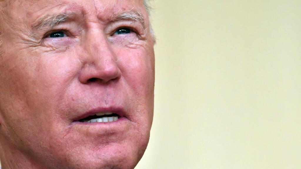 Joe Biden exige un rapport sur l'origine du Covid-19 et hausse le ton face à Pékin