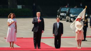 El presidente de Estados Unidos, Donald Trump y su esposa Melania son recibidos por el emperador Naruhito y la emperatriz Masako. Tokio, Japón, 27 de mayo de 2019.