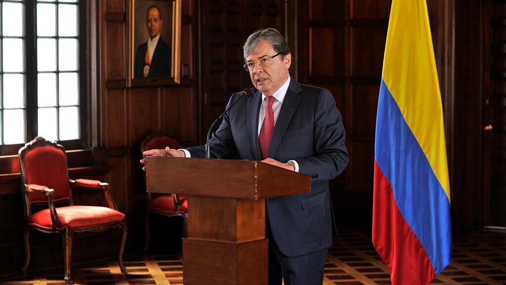 El canciller Carlos Holmes Trujillo durante la rueda de prensa en el Palacio de San Carlos en Bogotá este 10 de agosto de 2018.