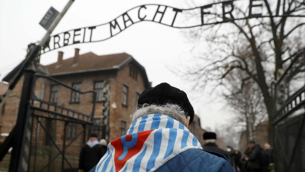 Sobrevivientes del campo de exterminio y familiares participaron en la ceremonia del 73° aniversario de la liberación del campo de la muerte de Auschwitz-Birkenau, en Oswiecim, Polonia, el 27 de enero del 2018. El 27 de enero es el Día Internacional de Memoria del Holocausto.