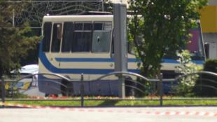 الحافلة التي يحتجز على متنها رهائن في لوتسك الأوكرانية في 21 يوليو/تموز 2020