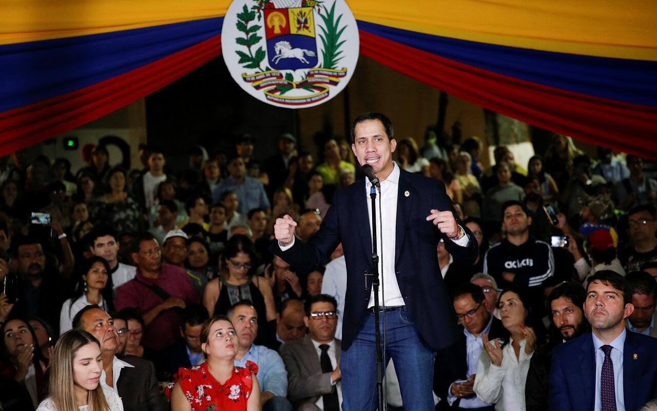 خوان غوايدو لدى عودته إلى كراكاس، في 11 فبراير/شباط 2020.