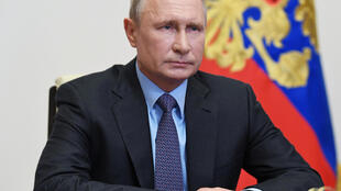 2020-05-07T000000Z_934673773_RC2OJG99ZZ9C_RTRMADP_3_HEALTH-CORONAVIRUS-RUSSIA-PUTIN