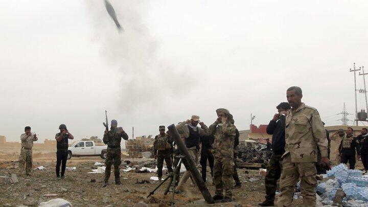 قوات عراقية خلال عملية عسكرية قرب تكريت في 12 آذار/مارس 2015
