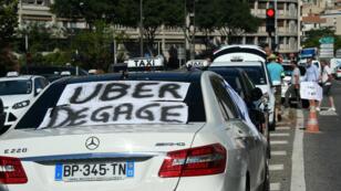 Les taxis ont décidé, jeudi 25 juin, de ne pas se rendre à Matignon et de reconduire leur mouvement de grève.