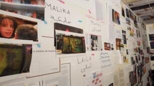 """Dans la """"war room"""", lieu central où est menée l'enquête, les deux journalistes infiltrent la """"jihadosphère""""."""