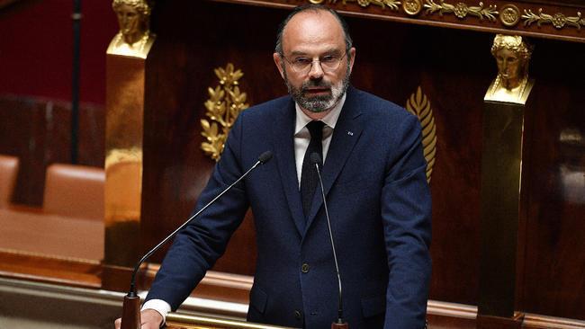 رئيس الوزراء الفرنسي إدوار فيليب أمام البرلمان، في 28 أبريل/نيسان 2020.