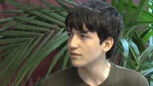 هوغو سباي (17 عاما) أصغر دكتور في جامعة ليل وفرنسا