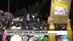 2020-11-17 14:01 Thaïlande : canons à eau et gaz lacrymogène contre les manifestants pro-démocratie