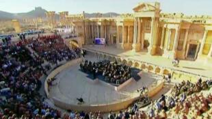 الأوركسترا الروسية على مسرح مدينة تدمر الأثرية 05/05/2016