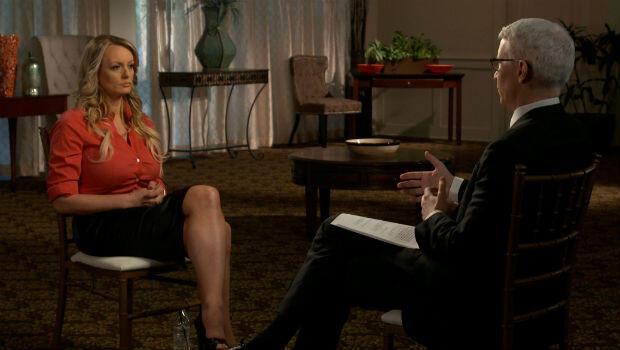 La actriz porno Stormy Daniels durante la entrevista concedida al programa '60 minutos' de la cadena estadounidense CBS en marzo de 2018.