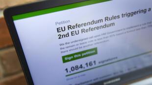 تطالب العريضة البرلمانية بإجراء استفتاء جديد بعد الصدمة التي أحدثها استفتاء الخميس 24 حزيران/يونيو 2016