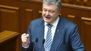 """Ukrainian President Petro Poroshenko told the General Assembly that deploying a UN-mandated peace force could be a """"decisive factor"""" in bringing an end to the five-year war in the Donbass region"""