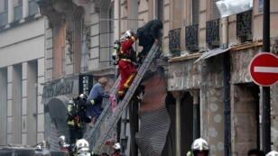 عمال الإنقاذ يصلون إلى مكان الحادث 12 يناير/كانون الثاني 2019