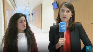 Marie Laguerre au micro de Karina Chabour pour France 24.