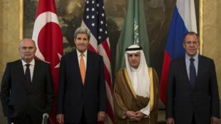 Les chefs de la diplomatie russe, américaine, turque et saoudienne ont participé vendredi 23 octobre 2015 à une réunion quadripartite à Vienne.