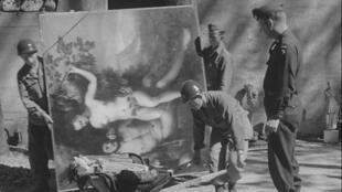 Dès 1933, les nazis ont fait des razzias dans les appartements, musées, galeries et églises.