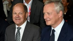 "French Finance Minister Bruno Le Maire (R, pictured August 2018) and German Finance Minister Olaf Scholz will ""jointly present a proposition"" about the eurozone budget"