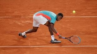 2020-09-28T173130Z_2094173086_UP1EG9S1COIXZ_RTRMADP_3_TENNIS-FRENCHOPEN (1)