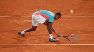 Pour la première fois depuis quinze ans et ses débuts à Roland-Garros, Gaël Monfils a chuté dès le premier tour.