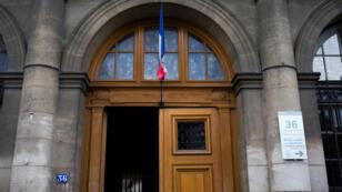 L'entrée principale du légendaire 36 quai des orfèvres, où se trouve la Direction régionale de police judiciaire de Paris (DRPJ).