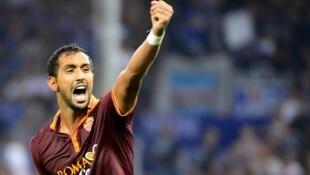 المغربي مهدي بن عطية لاعب نادي يوفنتوس الإيطالي وروما سابقا