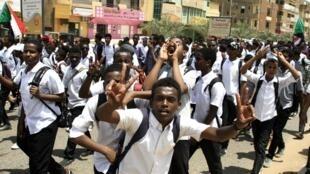 Des étudiants manifestent à Khartoum, le 30 juillet 2019.