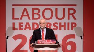 Visé par un putsch de ses députés après le vote pour le Brexit fin juin, Jeremy Corbyn sort renforcé de ce scrutin.