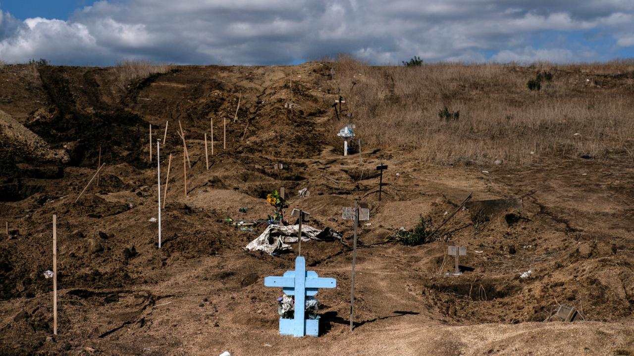 Cementerio improvisado de fosas comunes en Tijuana, México, ante el crecimiento de asesinatos el 22 de noviembre de 2019.