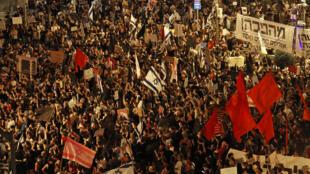 تظاهرات معارضة لرئيس الوزراء الإسرائيلي بنيامين نتانياهو، في 5 أيلول/سبتمبر في القدس.