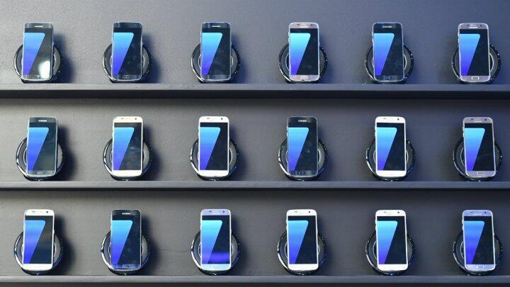 Après de graves problèmes techniques sur son dernier smartphone, Samsung a décidé d'arrêter la production des Galaxy Note 7.