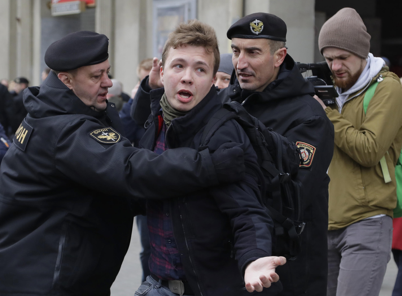 US, EU Accuse Belarus of Terrorism After Plane Diverted to Arrest Journalist