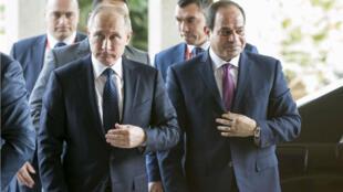 Le président russe et son homologue égyptien, Abdel Fattah al-Sissi, au Caire, en décembre 2017.