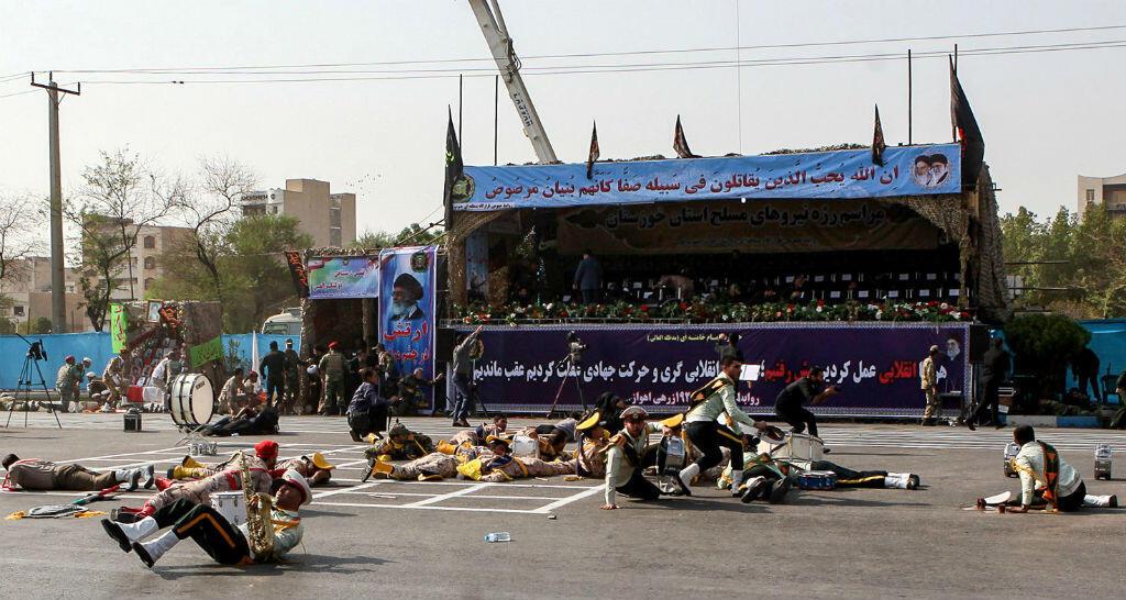 هجوم استهدف عرضا عسكريا في الأهواز 22 أيلول/سبتمبر 2018.