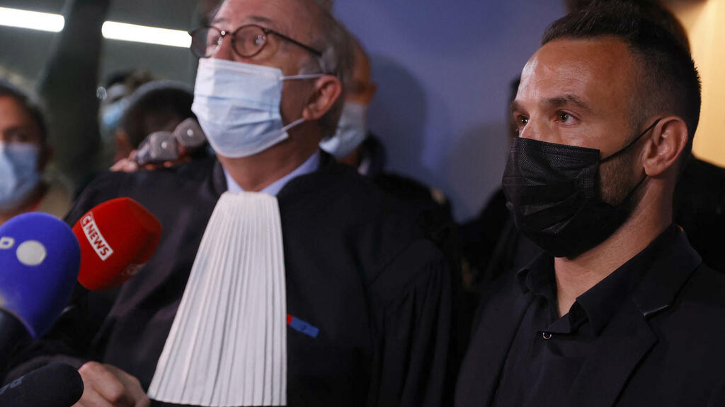 French prosecutors seek suspended sentence for Benzema in Valbuena sex tape trial
