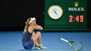 Caroline Wozniacki a remporté samedi 27 janvier 2018 son premier titre de Grand Chelem en battant Simona Halep en finale de l'Open d'Australie.
