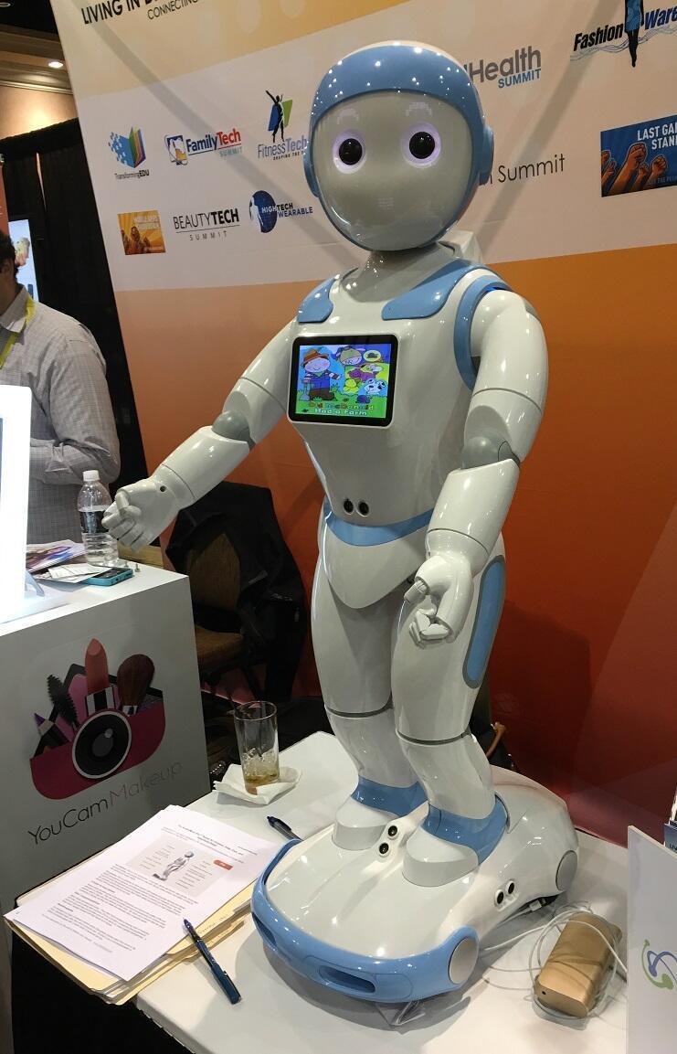 روبوت آيبال - معرض لاس فيغاس للتكنولوجيا