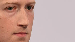 131020-zuckerberg-facebook-holocauste-m