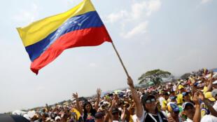 """Se estima que más de 300.000 personas asistieron al concierto """"Venezuela Aid Live"""" en el puente transfronterizo Tienditas entre Colombia y Venezuela, en Cúcuta, Colombia, el pasado 22 de febrero de 2019."""