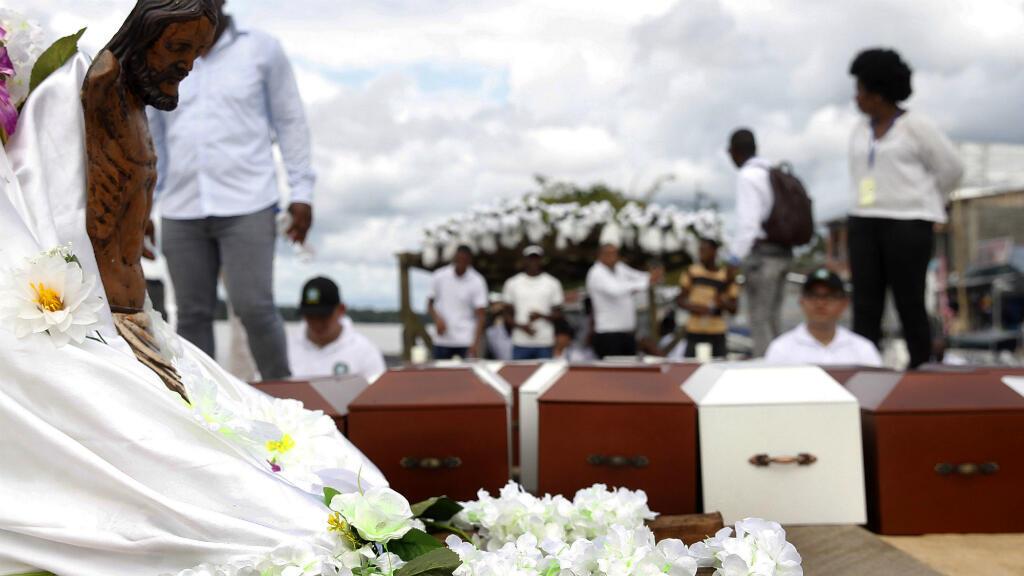 En 2016, en el marco del proceso de paz, las Farc pidieron perdón a las víctimas de la masacre y unos años antes los paramilitares al mando de 'El Alemán' hicieron lo mismo en una audiencia pública, Bojayá, 11 de noviembre de 2019.