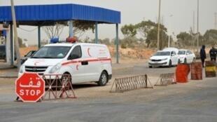 صورة التقطت في 22 آذار/مارس 2016 يظهر فيها معبر رأس جدير في بنقردان الحدودي بين تونس وليبيا.