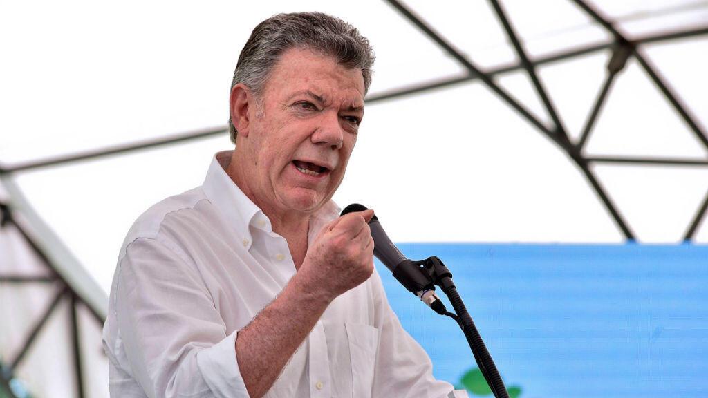 El presidente de Colombia, Juan Manuel Santos, habla durante una reunión en Cundinamarca.