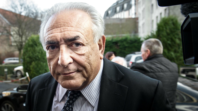 Dominique Strauss-Kahn et Viktor Pintchouk, propriétaire de la banque Crédit Dniepr, sont amis de longue date, l'économiste français se rendant depuis des années à des conférences organisées par le milliardaire ukrainien.